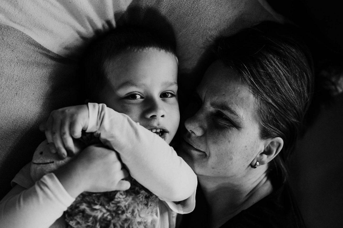 Mutter und Sohn, Familienfotografie für Tapfere Knirpse